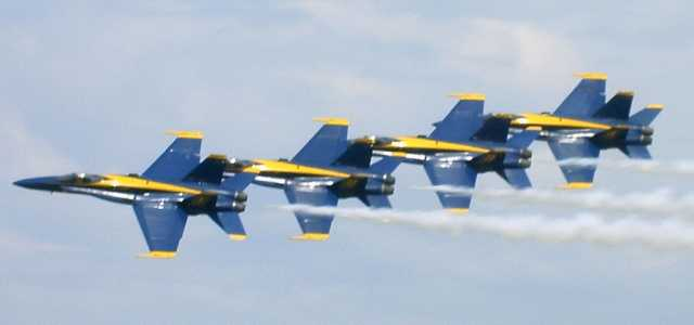 Blue Angels, flying in a linear formation